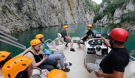 El pantà de Canelles es troba a les cotes més altes de la seua història, la qual cosa genera espectaculars panoràmiques al congost de la Ribagorçana