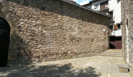 Imatge de la plaça que portarà el nom de mossèn Joan Mora.