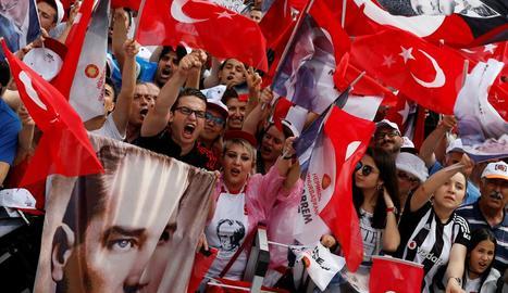 Simpatitzants del candidat de l'oposició Muharrem Ince.