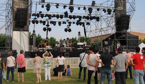 El grup Kids from the 90's va estrenar ahir a mitja tarda els concerts de la primera jornada del festival.