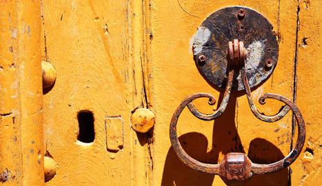 Aquest singular pica-porta és un dels petits detalls que va cridar l'atenció de Pep Massip.