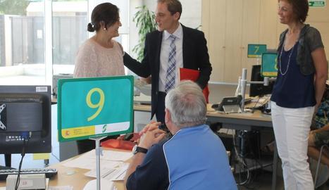 Crespín visita les oficines de l'INSS a Cappont