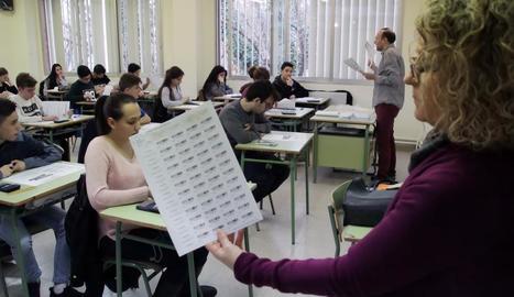Imatge d'arxiu d'una prova a alumnes d'ESO.