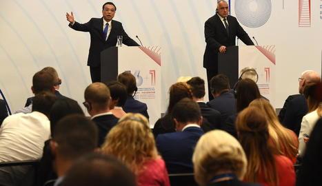 El primer ministre xinès s'adreça als assistents a Sofia.