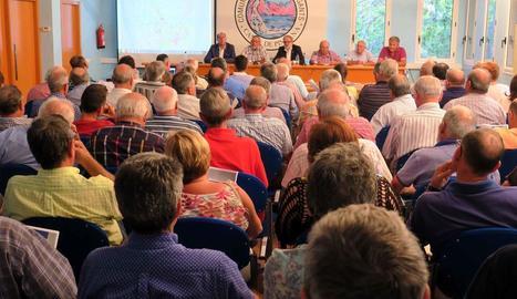 Imatge de l'assemblea general de regants de l'Horta.