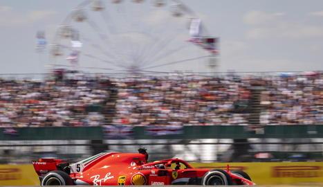 Vettel va ser el més astut i va dominar el gran premi des del principi, aprofitant-se d'un error de Hamilton a la sortida.