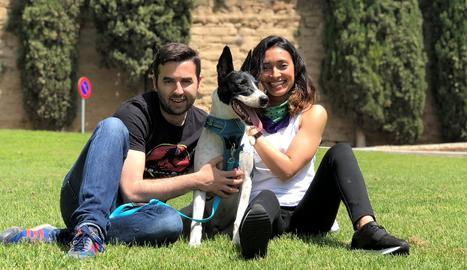 En Xavi, la Vivi i el Lulo formen una gran família.