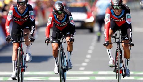 Tejay van Garderen, Richie Porte i el belga Greg van Avermaet, nou líder del Tour de França.