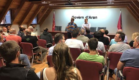 La reunió de ramaders ahir a la seu del Conselh Generau d'Aran.