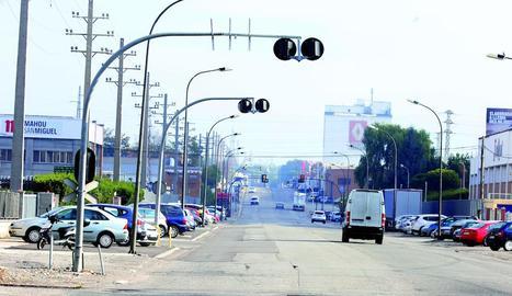 Imatge d'un dels carrers del polígon industrial El Segre.
