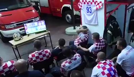VÍDEO. Què passa quan juga el teu equip i sona l'alarma?
