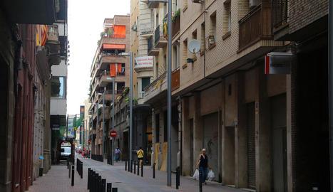 Vista del carrer Comerç, un dels més afectats per la reducció de la futura altura edificable.