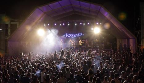 El festival va estrenar un vermut musical ahir al migdia a l'Ateneu.
