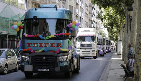 Un moment de la desfilada de camions a la rambla Ferran.