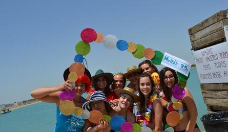 Diferents moments de la festa, en la qual van col·laborar voluntaris i associacions de Gimenells.