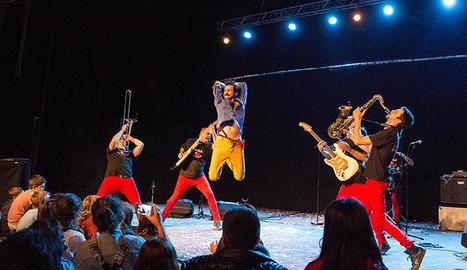 Espectacle de Marabunta en una edició anterior de l'Esbaiola't.