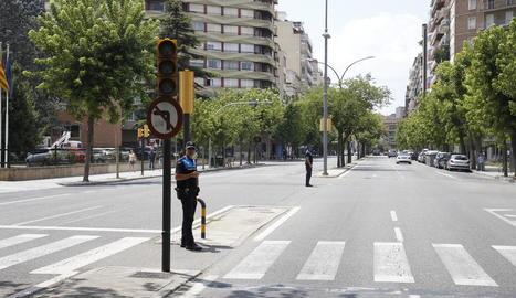 Semàfors sense funcionar ahir a l'avinguda Prat de la Riba.