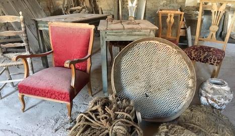 Alguns dels mobles que s'han cedit a Lo Carreró.