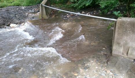 El barranc de Margalida a Bossòst va arrossegar una passarel·la.
