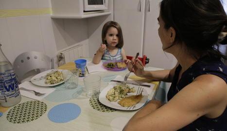 La investigació se centra en els hàbits alimentaris dels països en els quals se sopa tard.