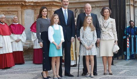 L'escàndol ha escatxigat la família reial, a la imatge a la missa de Pasqua a Palma de Mallorca.