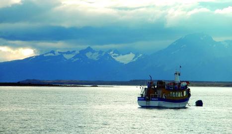 japó. Vista del mont Fugi des del tren d'alta velocitat.