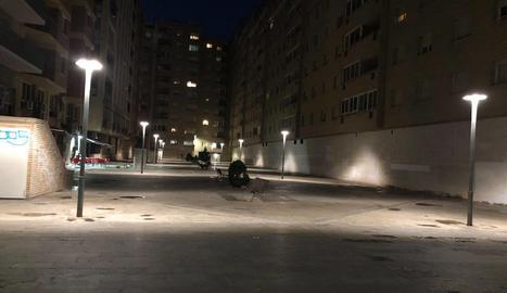 Satisfacció pels nous llums de la plaça Utxesa