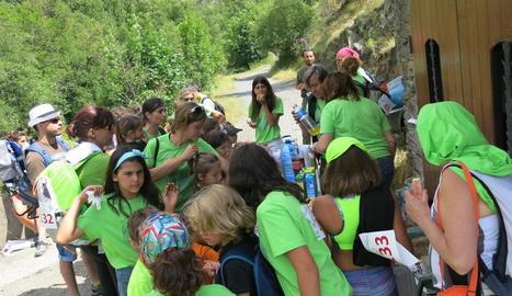 Nens i adults van participar en la Marxa i el festival.