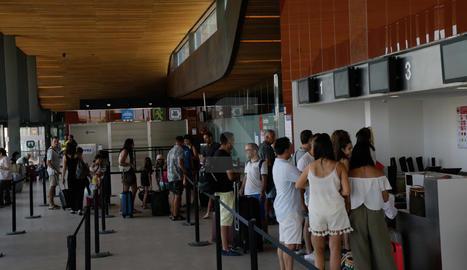 Primers vols des de Lleida - Alguaire a Eivissa de la temporada