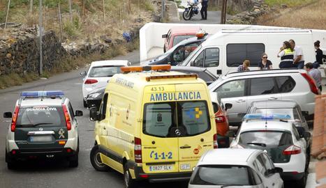 Un camió de Lleida té un accident a la C-12 a Ribera d'Ebre