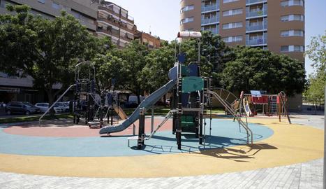 Imatge del parc de la plaça de Màrius Carretero.