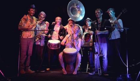 Imatge promocional de la banda L'Elephant Brass Machine.