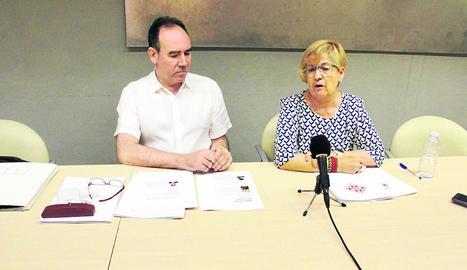 Jesús Navarro i Montse Parra, en la presentació de les jornades del 50 aniversari de La Petite Galerie.