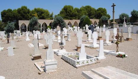 Imatge del cementiri de Miralcamp.