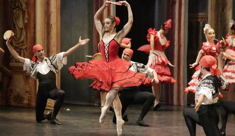 Un moment de la representació de 'Don Quijote', ahir al Teatre de la Llotja de Lleida.