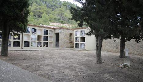 El cementiri de Tarrés, on s'instal·larà una placa.
