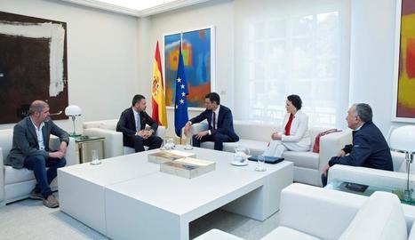 Pedro Sánchez es va reunir ahir a la Moncloa amb líders sindicals.