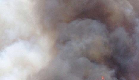 Imatge de l'incendi que es va declarar a Rocallaura l'estiu del 2016.