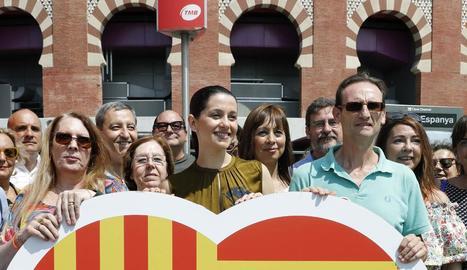Arrimadas, ahir, en un acte de Ciutadans a la plaça d'Espanya de Barcelona.