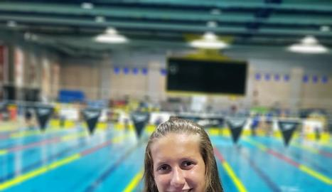 Paula Juste, amb la tercera medalla d'or en els campionats estatals de categoria infantil.