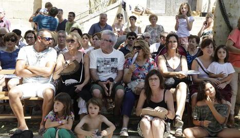 Civit i Talarn van tocar l'anella de cal Bufalà per demanar un judici just per als polítics presos i exiliats.