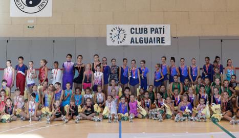Gairebé un centenar de patinadors de divuit clubs a la Final d'Iniciació de la Territorial de Lleida celebrada a Alguaire