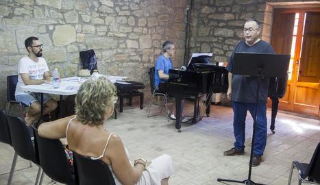 Els participants poden escollir entre dos modalitats: tècnica vocal i cant.