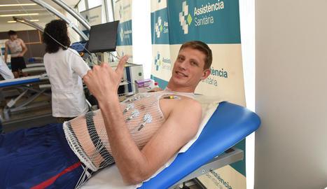 Artem Pustovi va passar ahir el reconeixement mèdic amb el club.