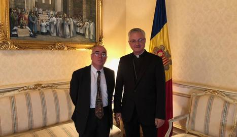 L'ambaixador d'Espanya a Andorra, Manuel Montabbio, i el copríncep episcopal, Joan-Enric Vives.