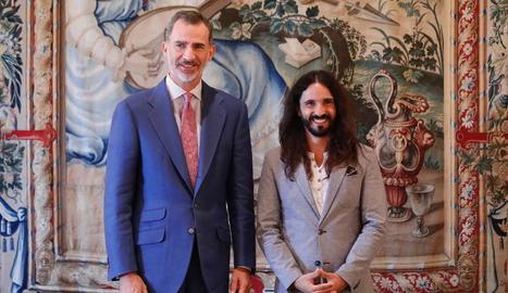 Felip VI, ahir, amb el president del Parlament balear, Baltasar Picornell.