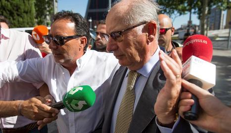 L'exvicepresident del Govern Rodrigo Rato, ahir, a l'arribar als jutjats de plaça de Castilla.