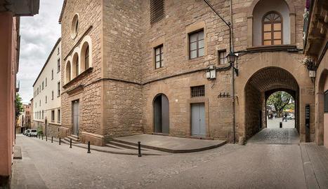 Un dels accessos al centre històric de la capital del Solsonès.