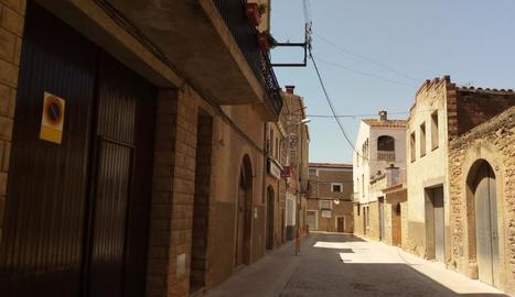 L'avinguda Catalunya de l'Albi abans d'instal·lar les pilones.