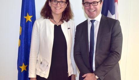 La comissària de Comerç i el ministre d'Agricultura d'Austràlia.